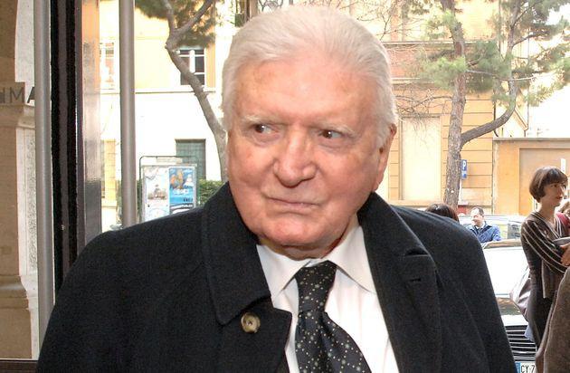 Morto Zavoli, fu portiere da piccolo e inventò Processo alla Tappa |  Sport e Vai