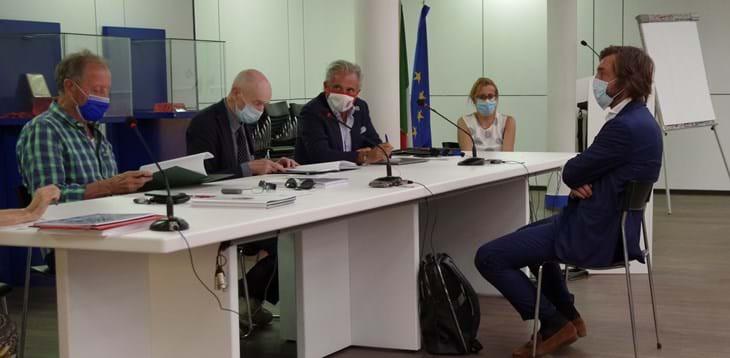 Grandi ex a Coverciano, ironia web sui nuovi Pirlo |  Sport e Vai