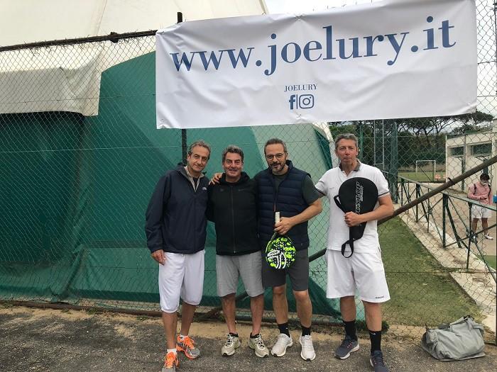 Napoli si scopre innamorata del padel: ecco il Torneo Joelury |  Sport e Vai
