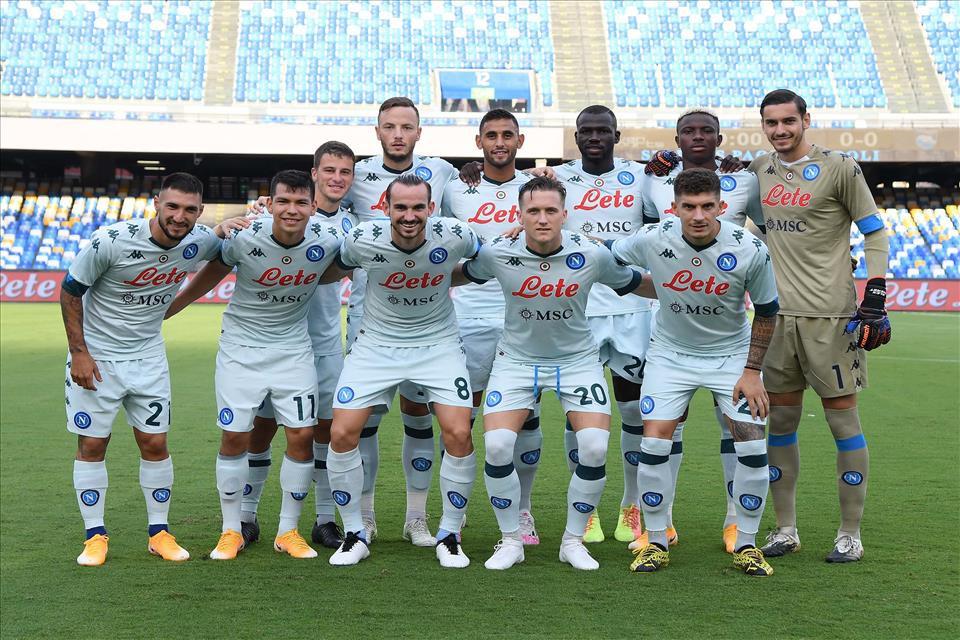 Napoli, i numeri di maglia: riassegnate la n.9 e la n.7 |  Sport e Vai
