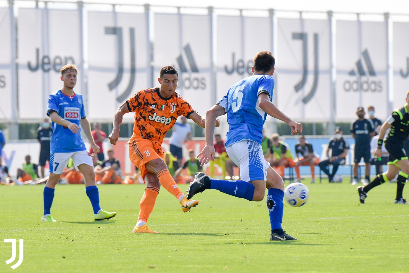 Juve-Novara 5-0, buona la prima per Pirlo |  Sport e Vai