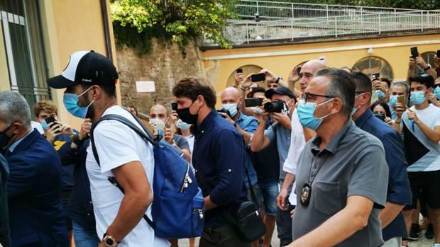 Suarez ha fatto l'esame di italiano, si sa già l'esito |  Sport e Vai