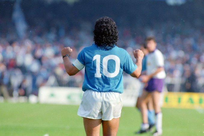 Il proprietario Marino: Maglia Maradona in vendita a 450mila euro |  Sport e Vai