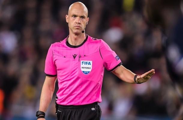 Roma-Ajax, brutti ricordi con l'arbitro Taylor |  Sport e Vai