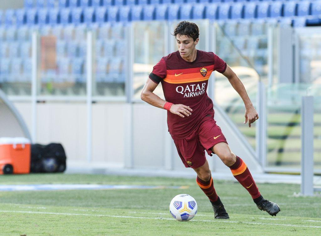 Roma, Calafiori spiega pallonata dal raccattapalle    Sport e Vai