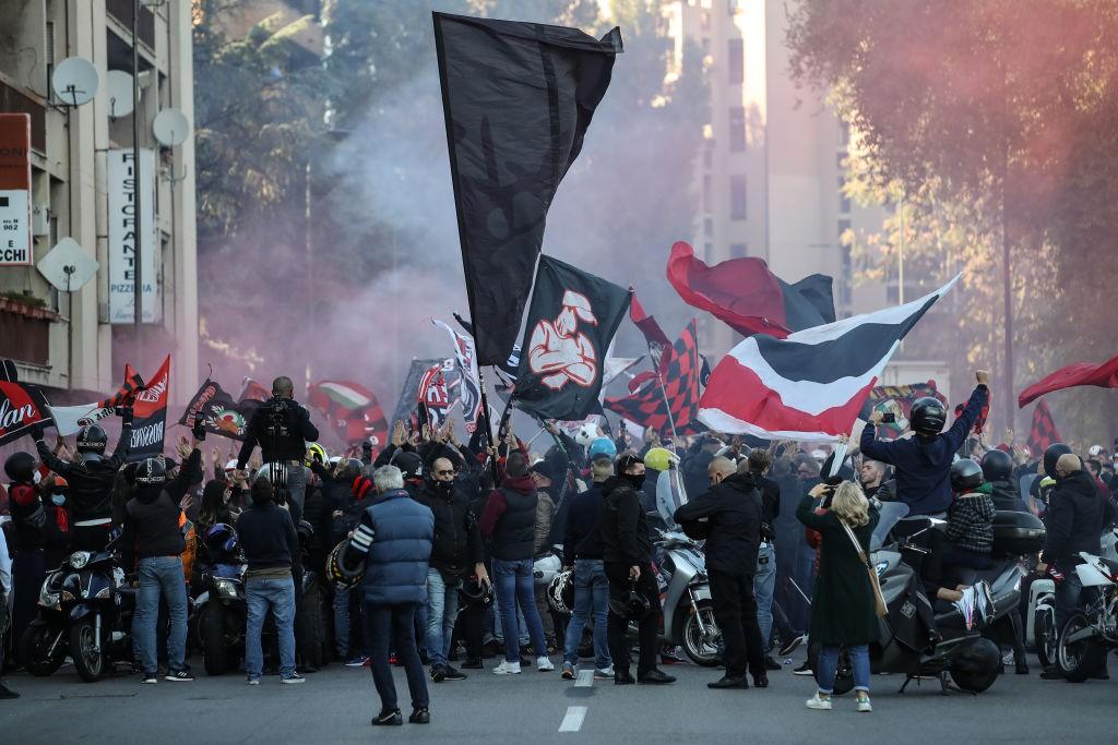 Tifosi Milan: Chi ve l'ha detto che lo rimpiangiamo? |  Sport e Vai