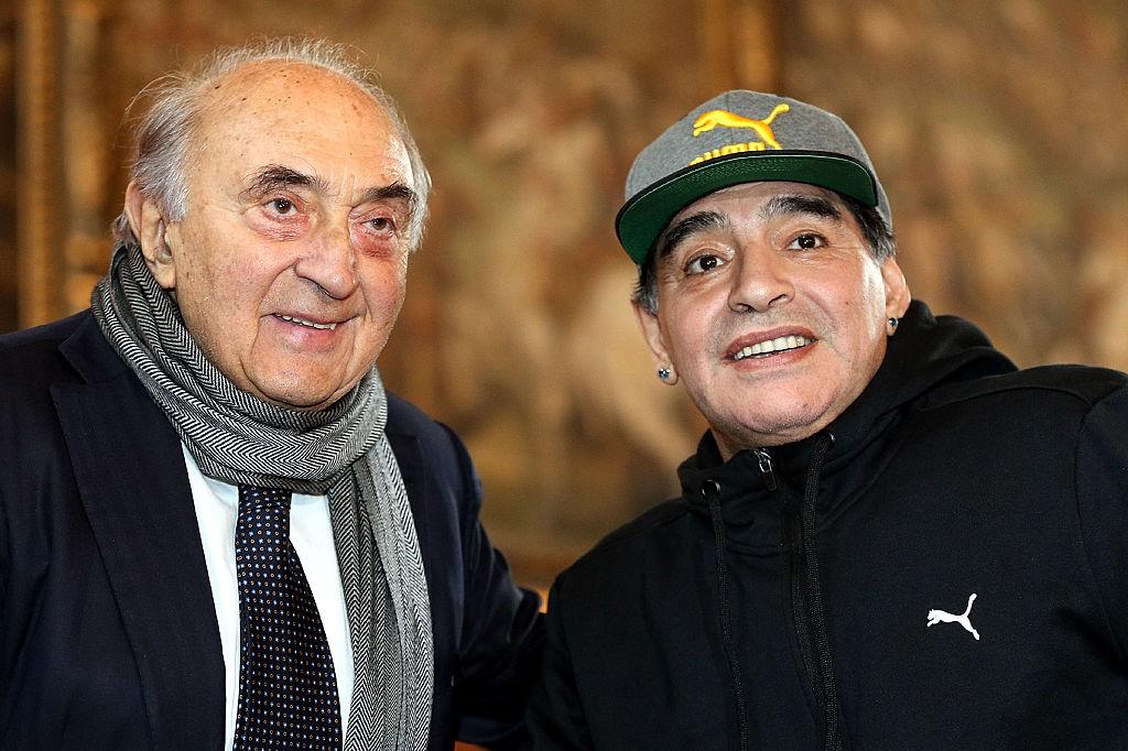 Maradona, anche da Ferlaino le lacrime per la sua morte |  Sport e Vai