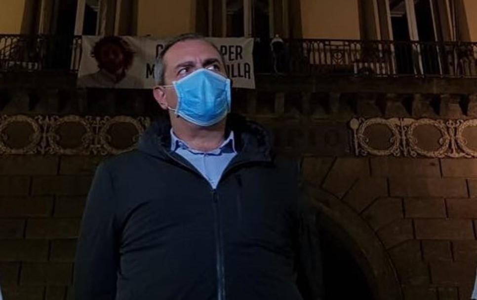 Maradona, nuova iniziativa sindaco tra elogi e polemiche |  Sport e Vai
