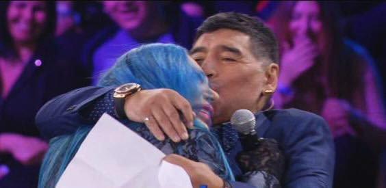 La Bertè commuove tutti col ricordo di Maradona    Sport e Vai