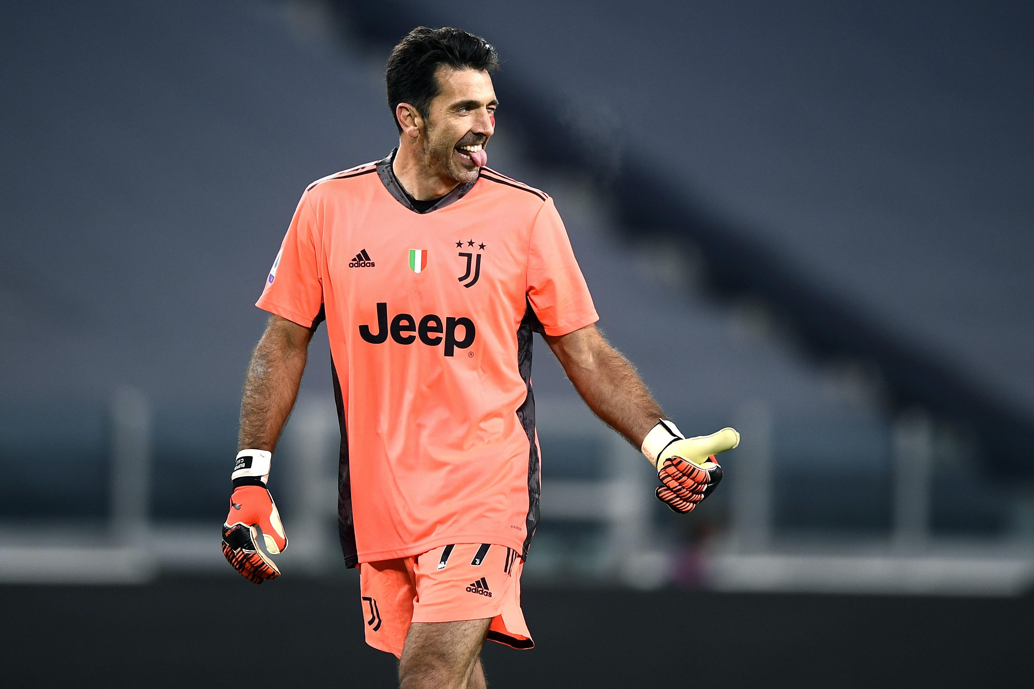 Buffon replica a Messi: Con me hai finito qui |  Sport e Vai
