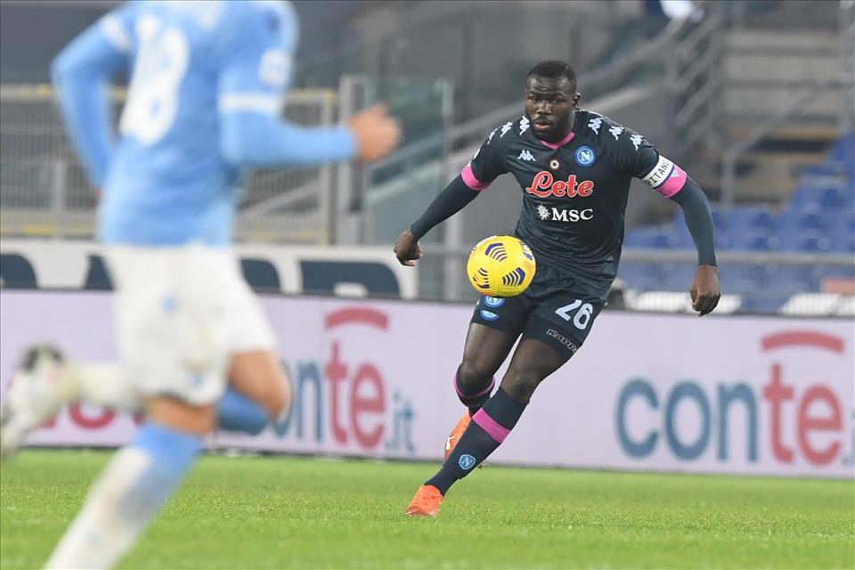 I guai non finiscono mai: il verdetto per Koulibaly e Lozano |  Sport e Vai
