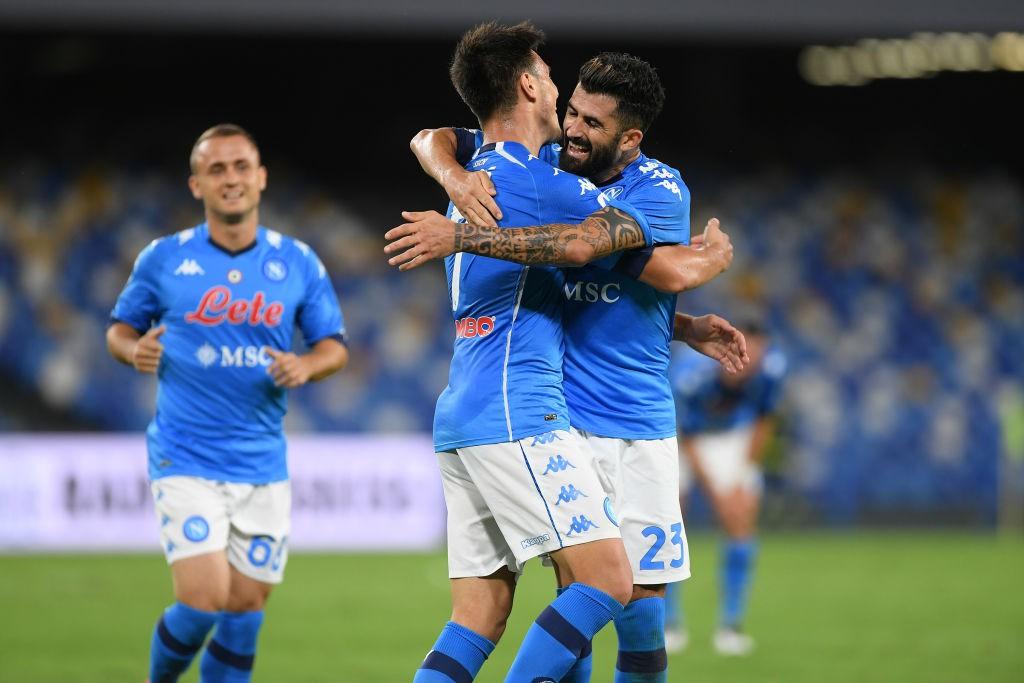 Napoli, novità su positivi al Covid scatenano il web |  Sport e Vai