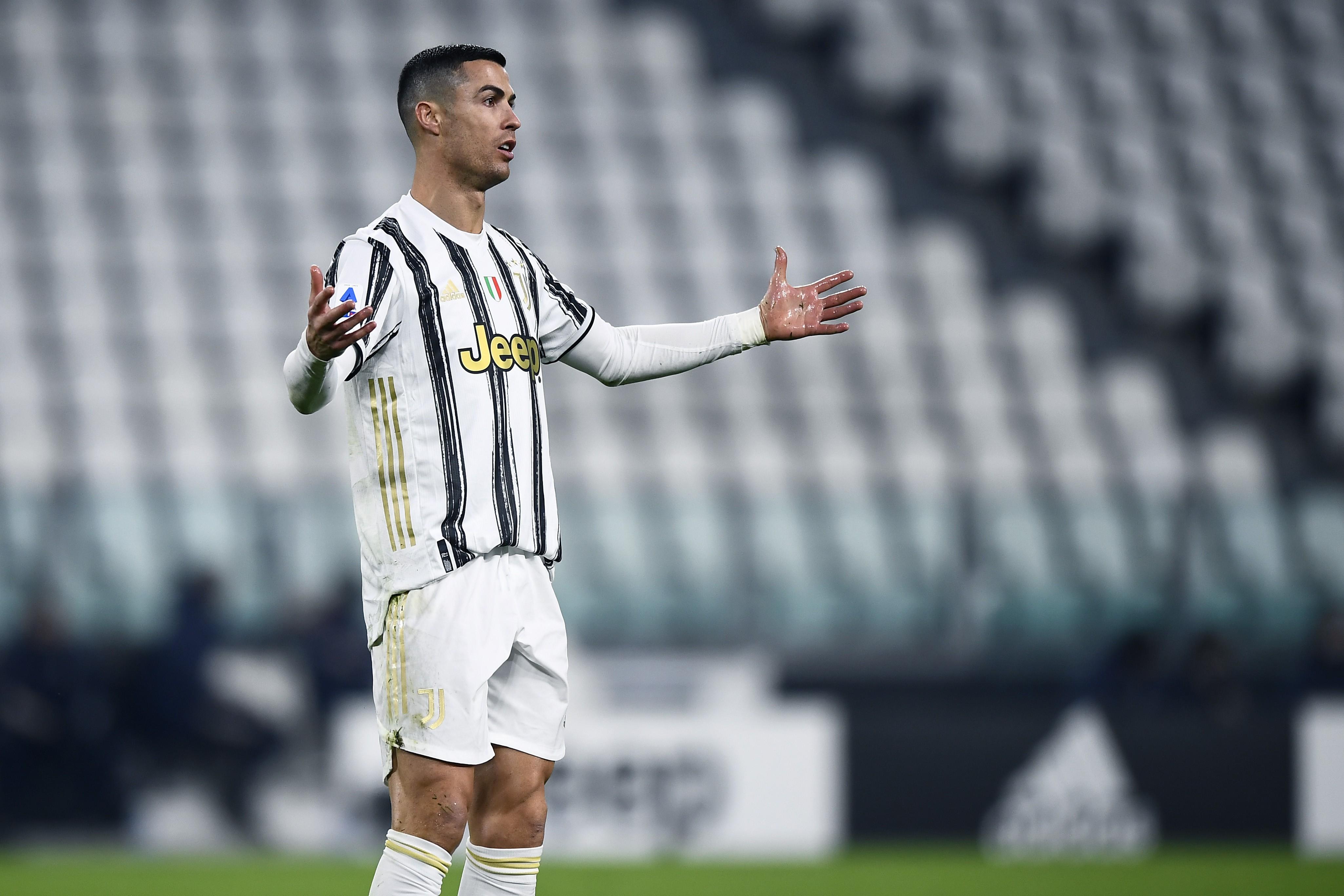 Ronaldo, la spiegazione su lancio maglia non convince Ziliani |  Sport e Vai
