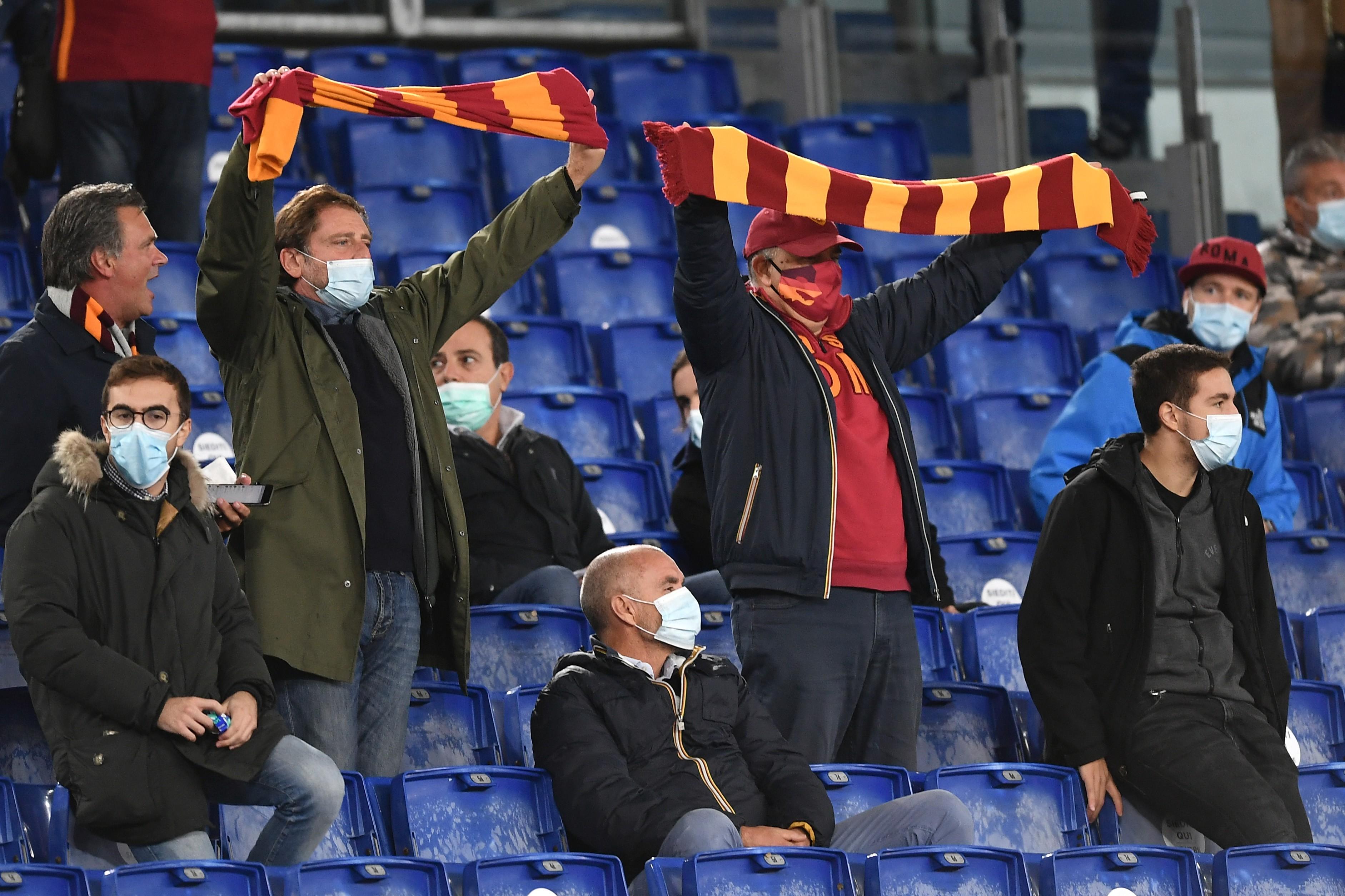 Roma, gioia a metà: Tifosi contro arbitri e non solo |  Sport e Vai