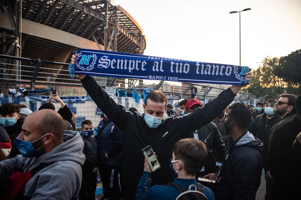 Tifosi Napoli dopo la paura: Era scarso, vero? |  Sport e Vai