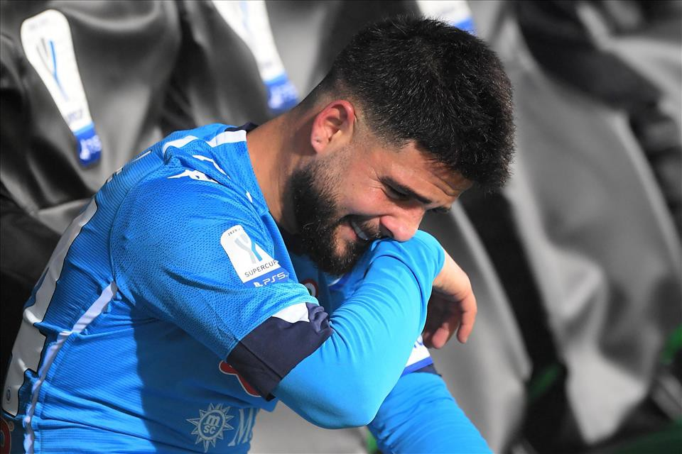Polveriera Napoli, incontro ultrà Insigne scatena il web |  Sport e Vai
