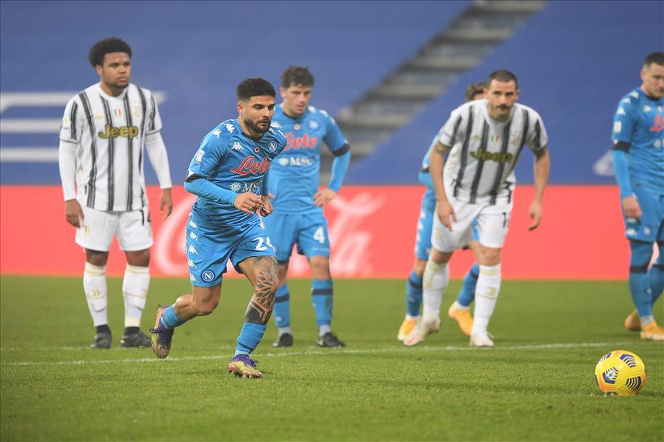 Napoli-Juve, Insigne: Gol numero 100 con dedica |  Sport e Vai