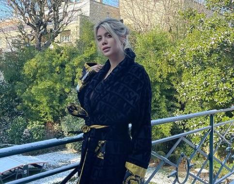 Anche Wanda Nara manda in tilt interisti e juventini |  Sport e Vai
