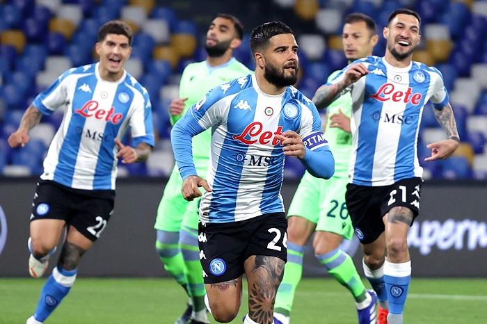 Serie A spezzatino: ecco cosa cambia per il Napoli |  Sport e Vai