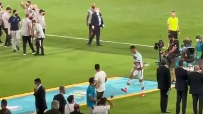 Scoppia altro putiferio su Ronaldo: L'ha fatto di nuovo |  Sport e Vai