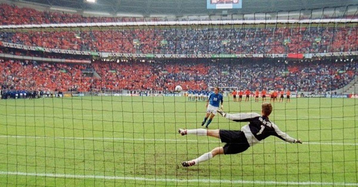 Totti-Seedorf atto II, prosegue polemica su Italia-Olanda |  Sport e Vai