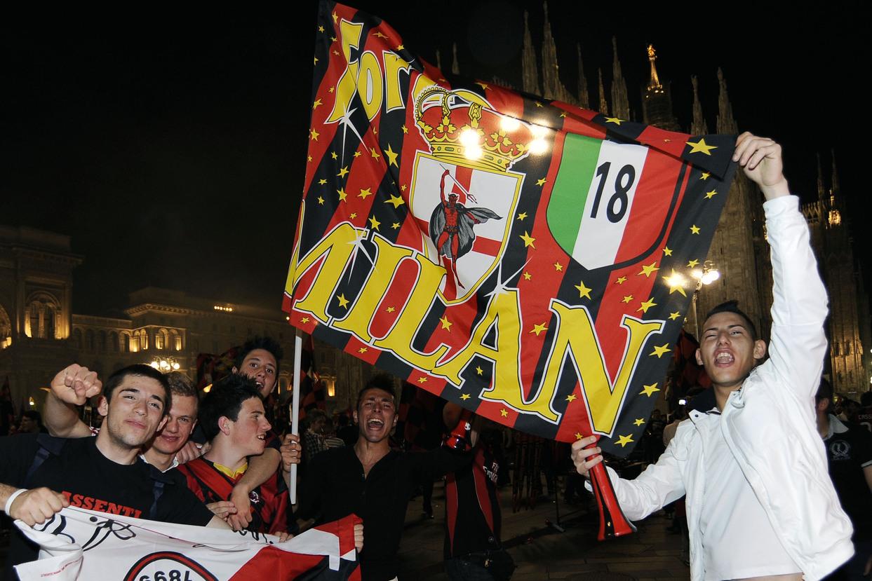 Tifosi Milan in ansia, il Psg punta gioiello rossonero |  Sport e Vai