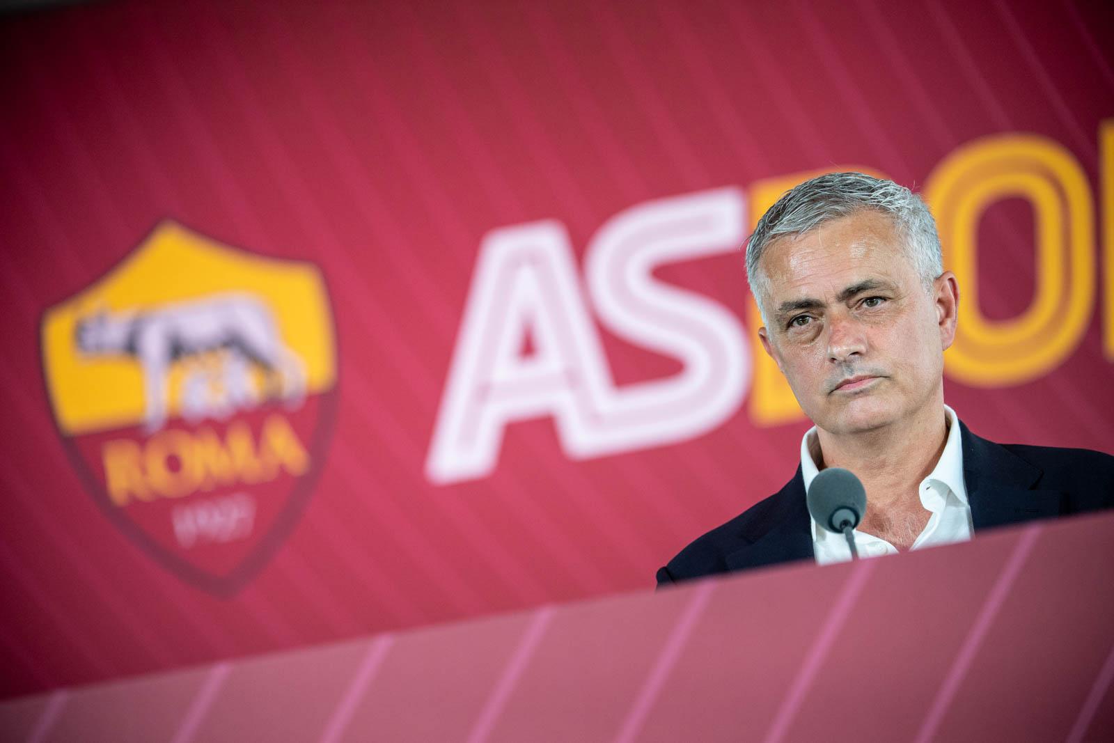 Roma: via il figlio d'arte, bocciato anche da Mourinho |  Sport e Vai