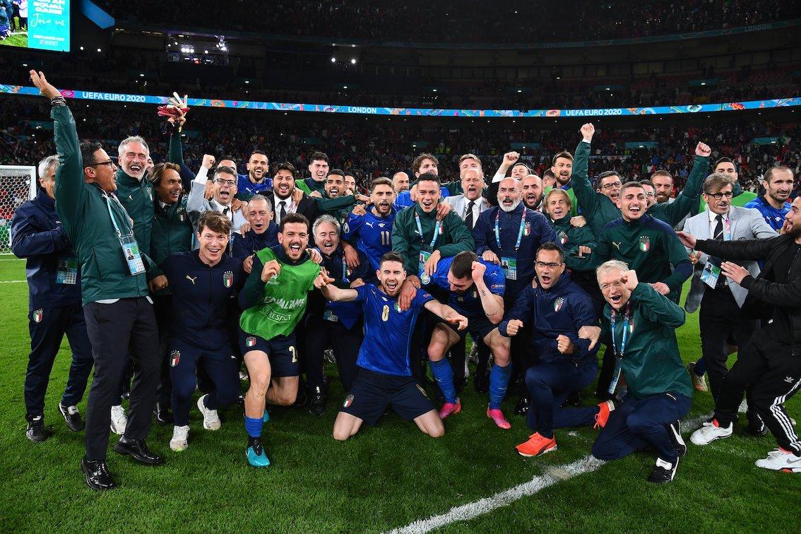 Italia o Inghilterra? Per chi tifa l'Europa |  Sport e Vai