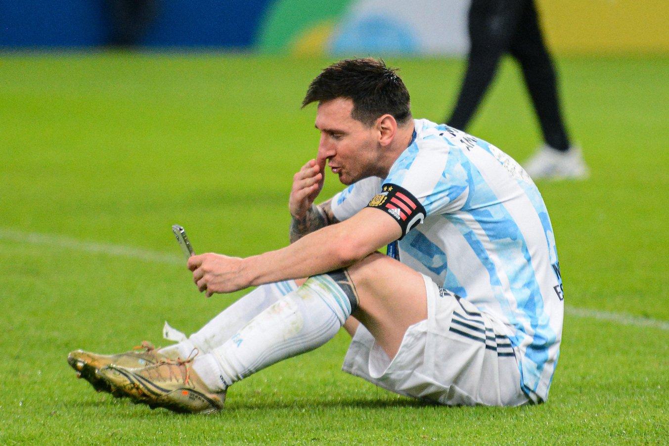Il web scarica Messi: Ronaldo è più coraggioso |  Sport e Vai