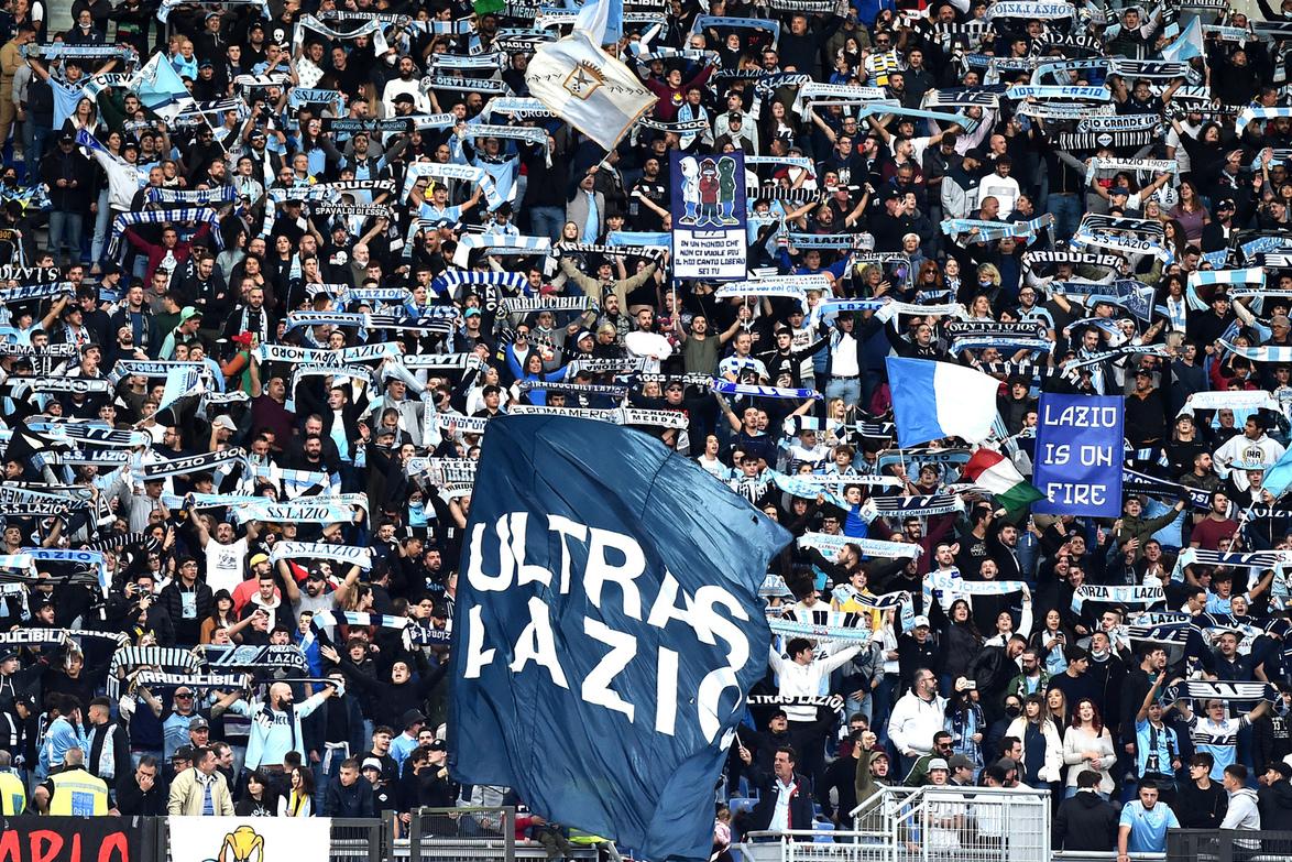 Episodio di razzismo all'Olimpico? Un tifoso dell'Inter ha le prove |  Sport e Vai